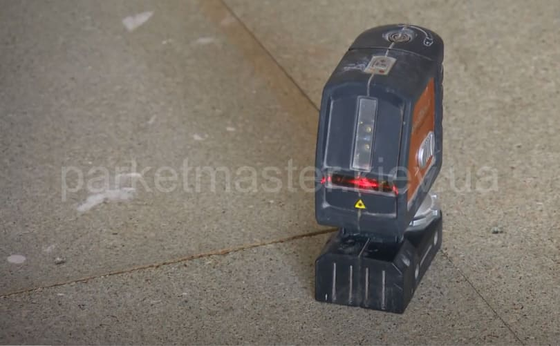 Прибор для измерения влажности основания
