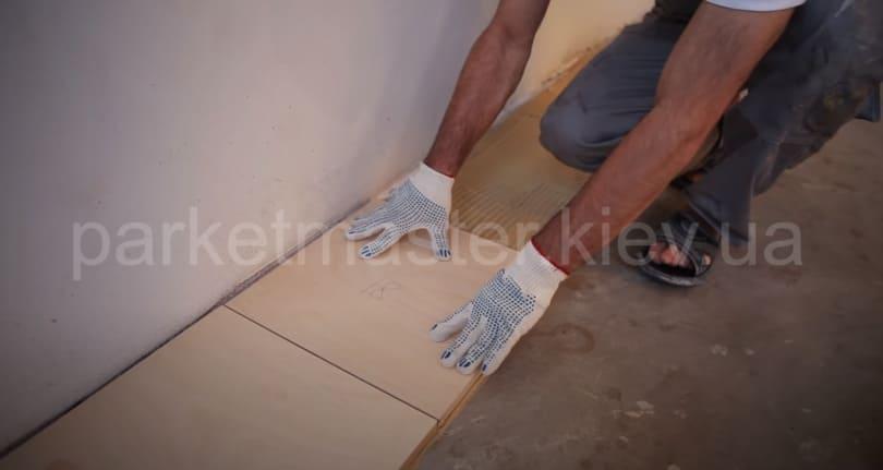 укладка фанеры на бетонное основание
