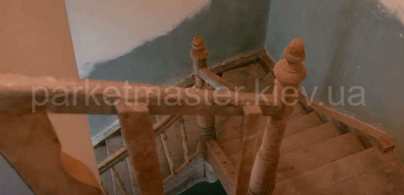 реставрация деревянной лестницы
