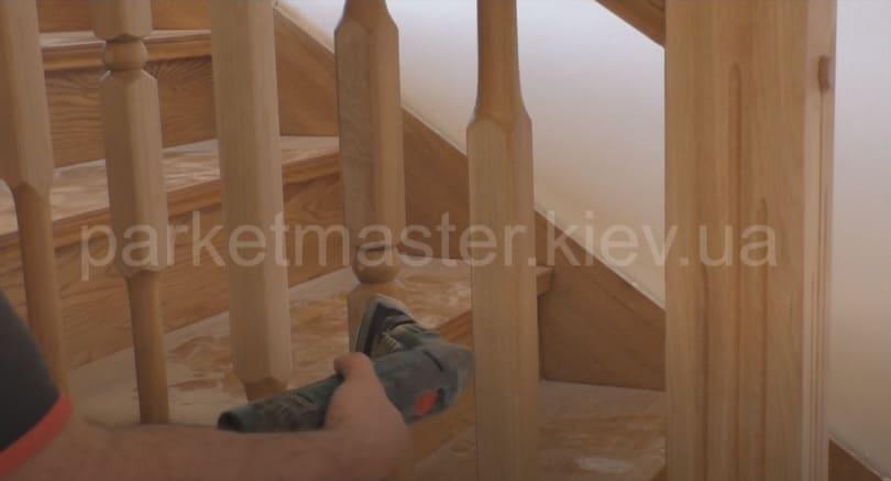 реставрация деревянных элементов лестницы
